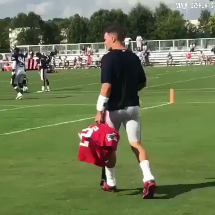 Video: Mike Vrabel Taunts Tom Brady At Joint Practice