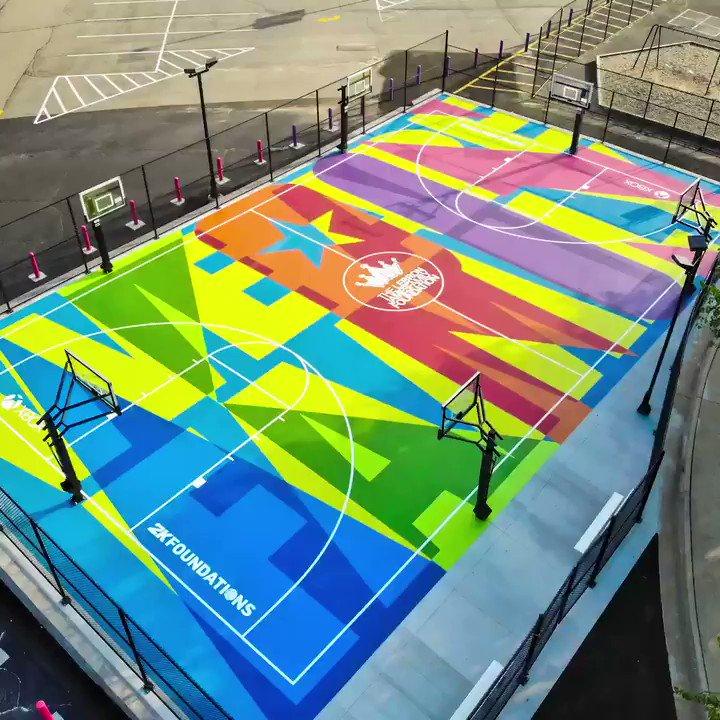 Look at this basketball court‼️ ❤️A🧡K💛R💚O💙N💜 @2K @Xbox @KingJames @LJFamFoundation