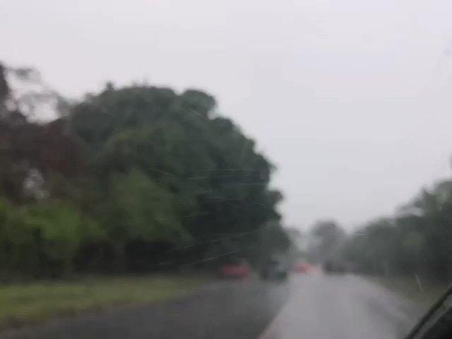 Precaucion al conducir fuerte lluvia cae en varios municipios y zonas de la ciudad capital.