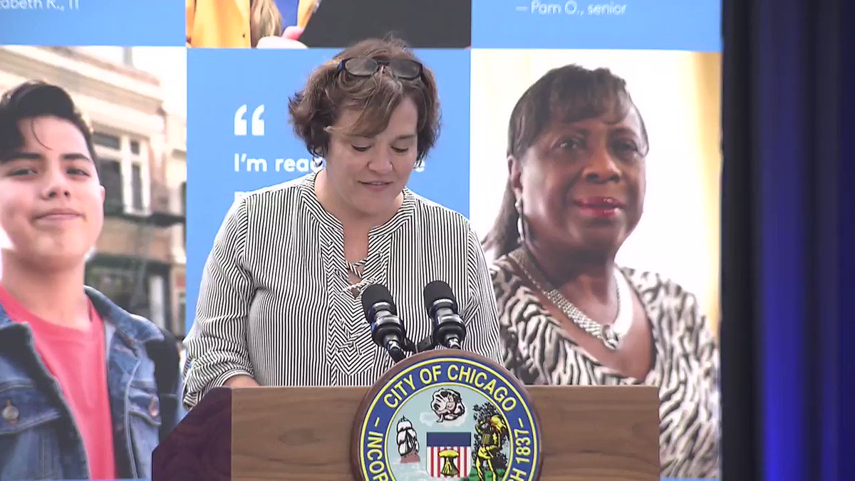 .@comcast was joined by Mayor @LightfootForChi and the Olympic Gold Medalist @LamoureuxTwins to announce a significant investment in Chicago Public Libraries, as well as the expansion of Internet Essentials.