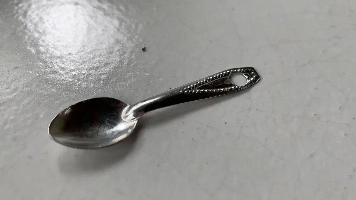 小さいスプーン大っきいスプーンすごい違いw