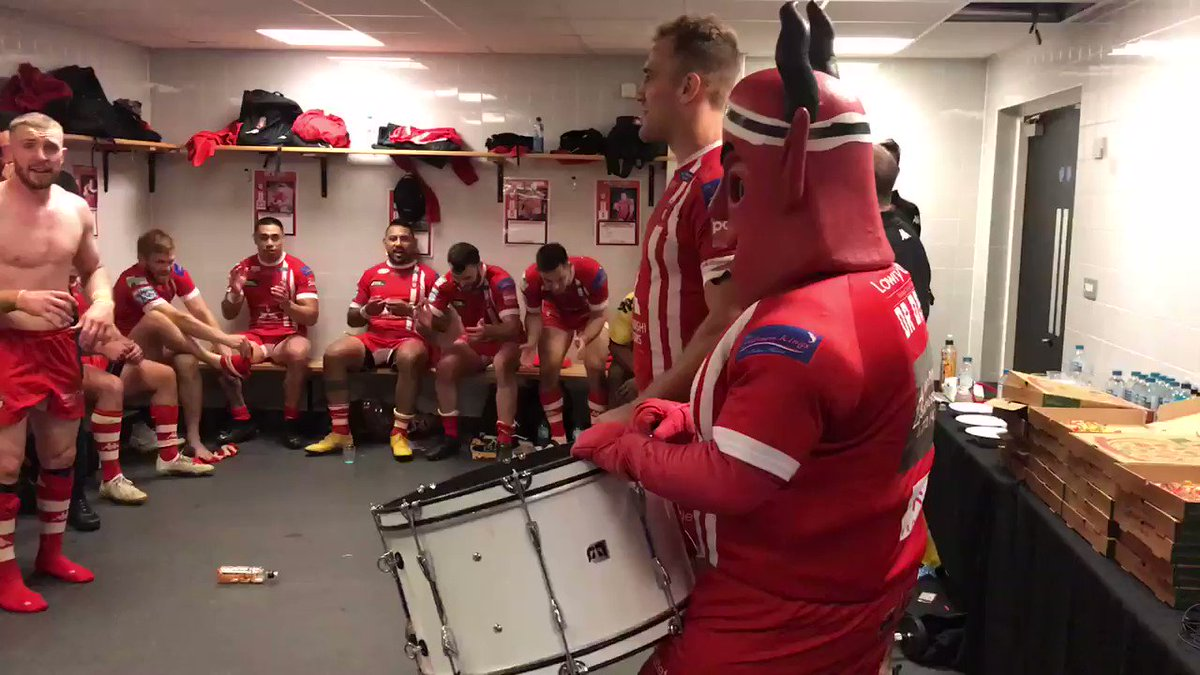 🙌 I SAY THE SALFORD REDS ARE RISING!!!  😏 How good was that Salford fans?!?  💪 #TogetherStronger https://t.co/2bWWKVrO3J