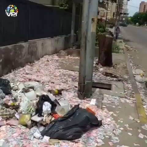 RT @Yusnaby: No es la tercera temporada de LA CASA DE PAPEL, es una calle en Venezuela... #DimeAlgo https://t.co/pbeTSBmxH7