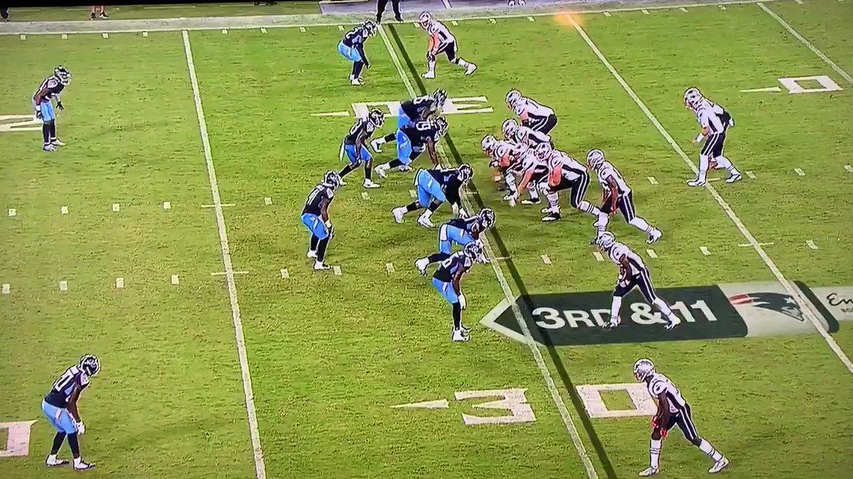 RT @ZackCoxNESN: Jarrett Stidham scrambles for the first on third-and-11. Tom Brady applauds. https://t.co/tIXaM1xCtD