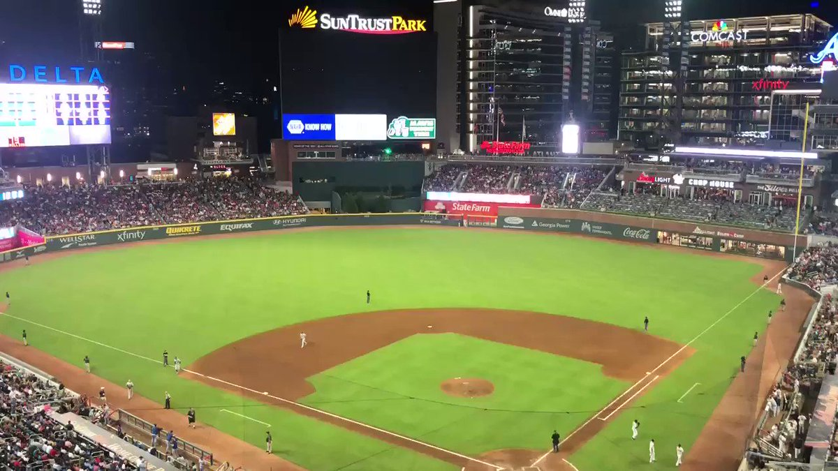 Here comes Mark Melancon, looking for three more outs with the #Braves up 4-3!!