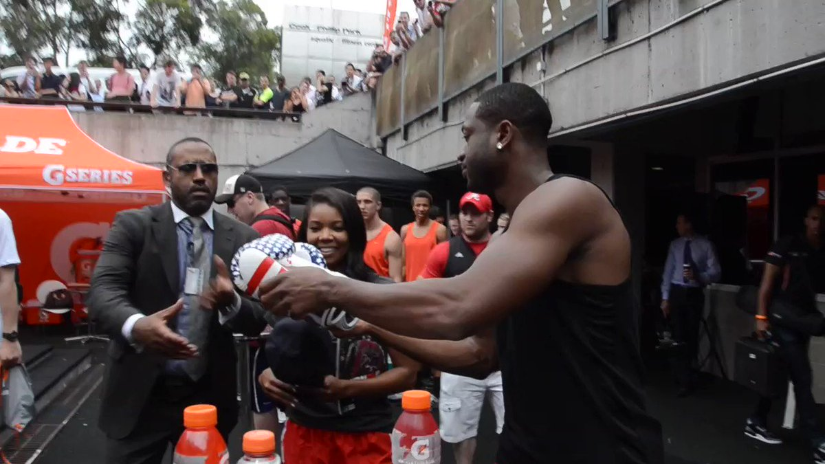 Archive‼️ August,11,2011 I decided to go on Twitter while in Australia and tell people to meet me after my @gatorade appearance for 30mins to get things signed. Little did I know the love that I had in Australia. WOW‼️#Tweetgreet