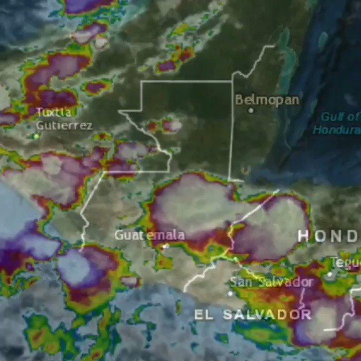 #ClimaGT 🌧️⚠️ #CruzRojaGT mantiene monitoreo constante a nivel nacional ante las constantes lluvias, según pronósticos del @insivumehgt prevalecerán por 72 horas. Ante cualquier emergencia puedes comunicarte con nosotros las 24 horas a los números: 📞 2381-6566 📱 3070-7496