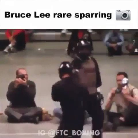 RT @BoxingKingdom14: Actual Bruce Lee sparring footage. Makes Lomachenko look normal! https://t.co/w4lFNIBclA