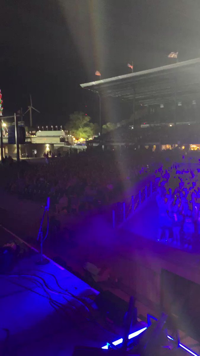 Des Moines, you were such an awesome crowd!!! ❤️ #PTXTheWorldTour #PTXTheWorldTourDM