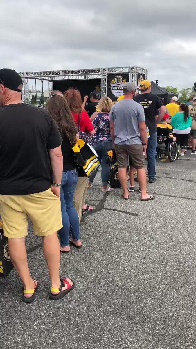 Jack & Brick are pretty popular here in Burlington. @NESN | #BruinTour
