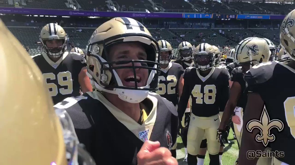 Drew Brees leads 'sun's out, guns out' pregame chant vs. Chargers