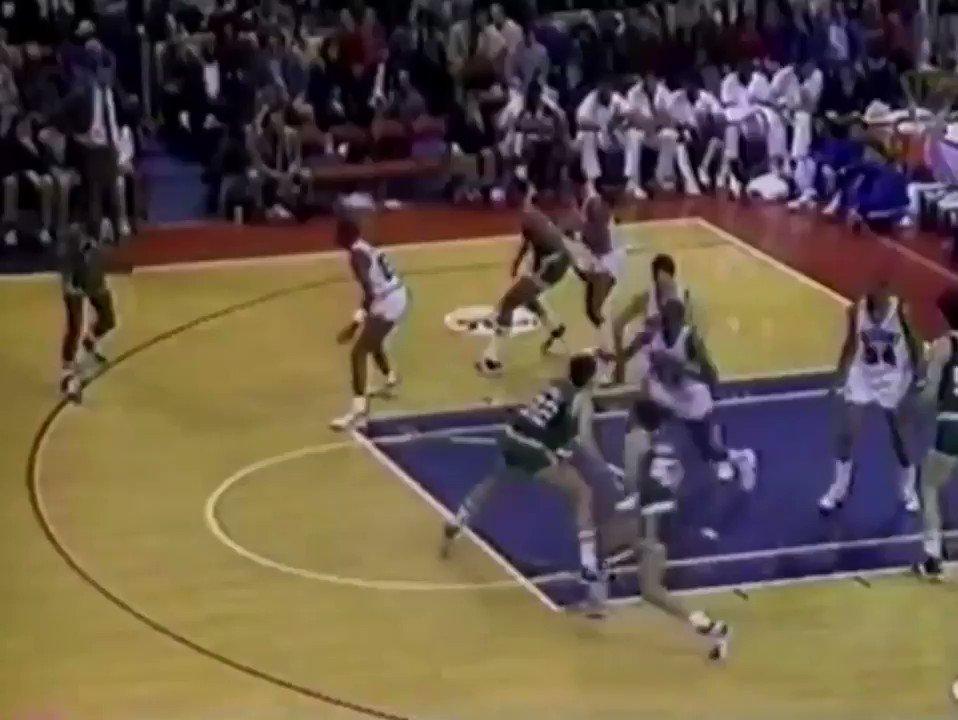 RT @SixersHistory: It's #NBABlockWeek!  Season's greetings from Charles Barkley. https://t.co/u85oTWHMBa