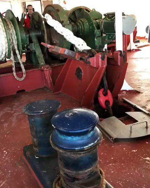 7-ton anchor drop ⚓️ Credit to instagram.com/philstapes?igs…