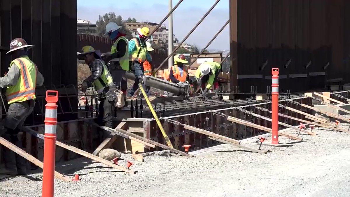 Wall construction is underway near Otay Mesa, California! 👷 https://t.co/45C0tu3WxT