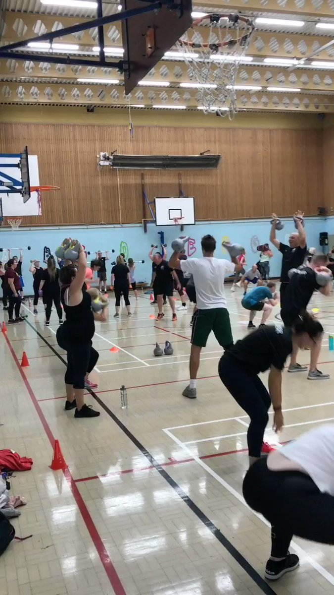 Sergio ramous tonight 🤩 84 people attending tonight's session! Fantastic work rate and effort shown by everyone so far 🔥🤩 what a group to be part of 😍😍👏🏻💪🏻❤️ @NLF_PT