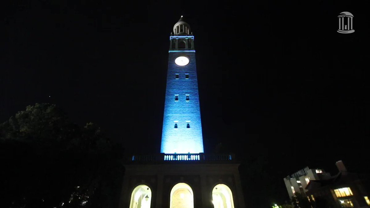 Hark the sound! Thanks to @OBTambassadors, the @SAA_UNC and the @UNCGAA for a pitch-perfect night. The traditional relighting of the bell tower is complete and we're ready for the first day of fall semester 💙🐏 #TarHeelSunset   #UNC   #UNCWOW2019   #UNC23 https://t.co/YBtZgd…