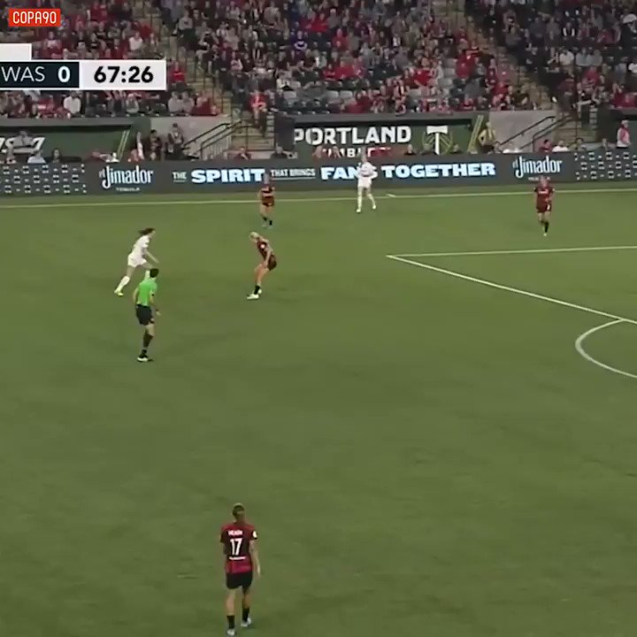 What a HIT @sunshine_sully 🎯 🎥: @NWSL