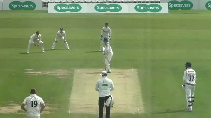 REPLAY | Luke Fletcher strikes with the second new ball as Tattersall (7) edges to Ben Duckett in the slips.Follow #YorksvNotts live 👉http://socsi.in/g_85wWt