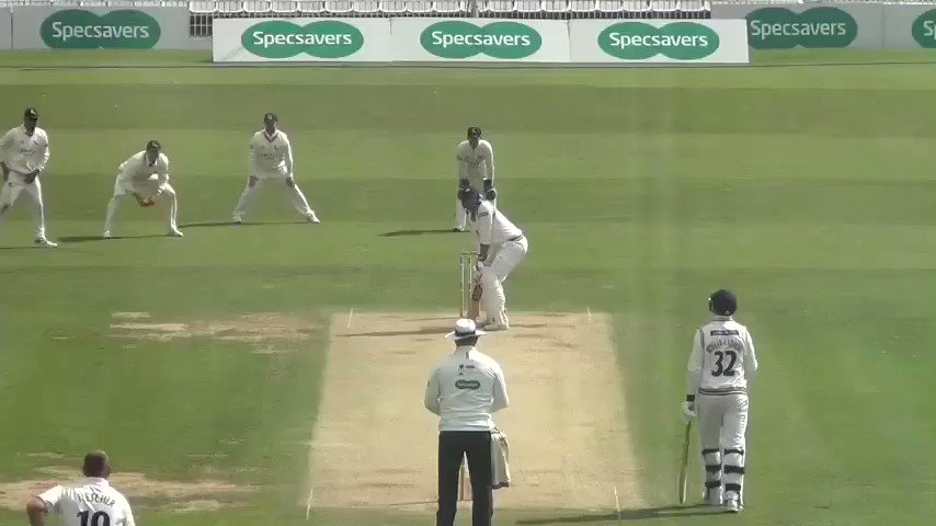 REPLAY | Fletcher gets his reward as after beating Bresnan's bat on numerous occasions he finally gets the batsman to edge to Moores. Follow #YorksvNotts live 👉http://socsi.in/g_io92k