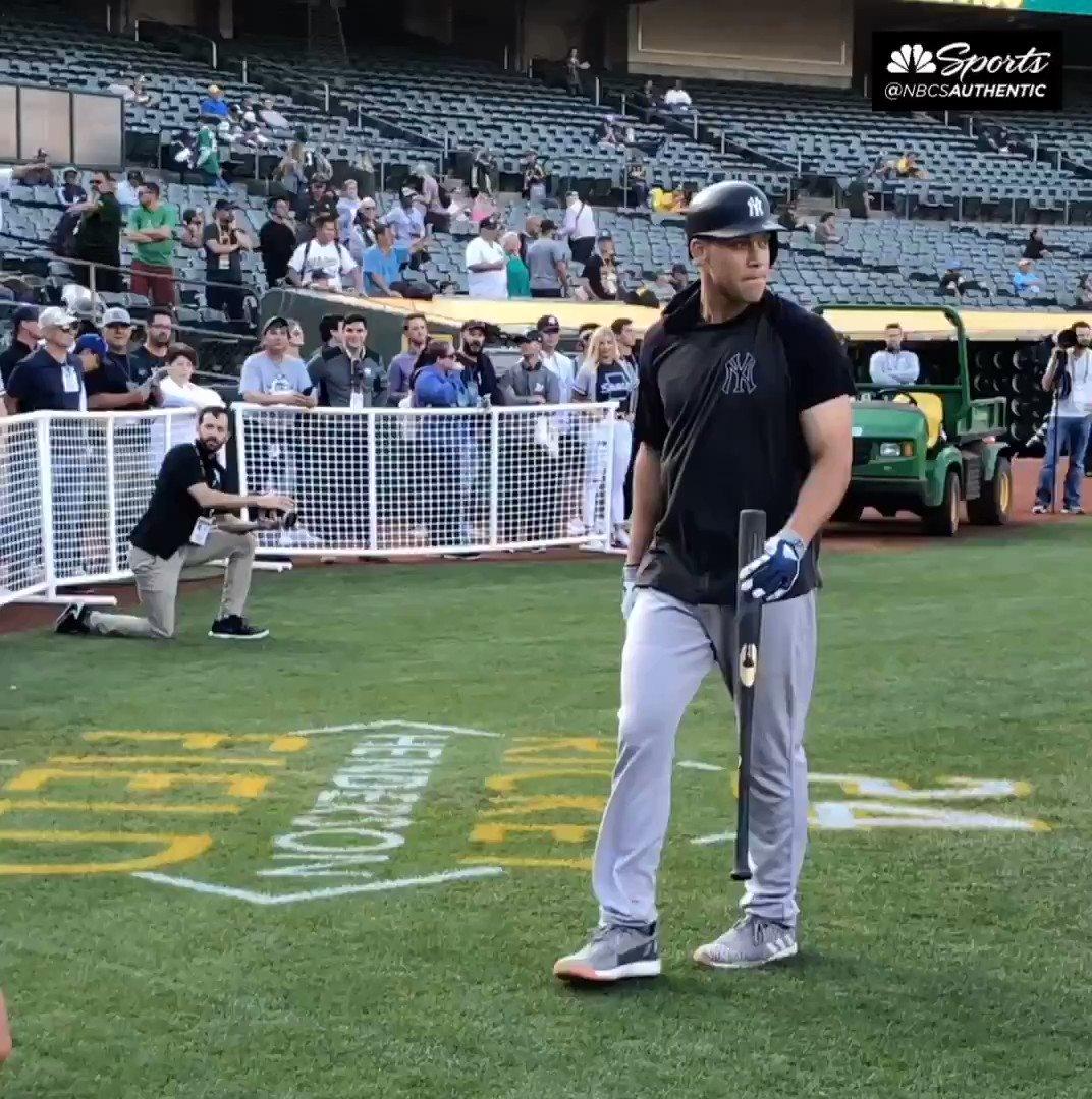 Aaron Judge meets shocked young Yankees fan