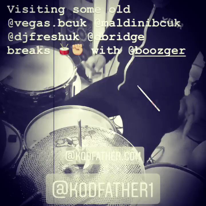 Kodfather studio day making dnb breaks .KDFR hoodie in full effect 🥁🔊🔊🔊 #dnbdrummers✊🏼 #dnb4life 🔊#torontostyle #zildjian #porkpiedrums #gretschdrums #vicfirth  10% off when you subscribe 👇🏼check my store 👈🏼