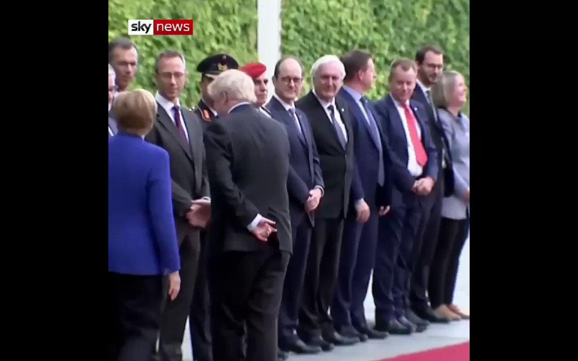 Boris Johnson arrives in Berlin to cries of #StopBrexit! #StopBrexit! 👍 #RejectBrexit #RevokeA50Now