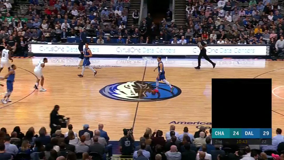 Image for the Tweet beginning: Was the no-look TOTALLY necessary?