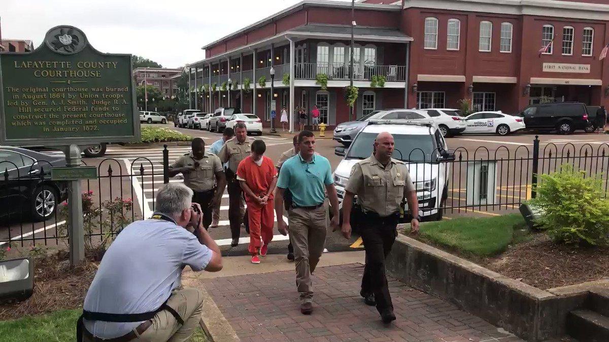 RT @JakeThompsonOE: Brandon Theesfeld has arrived to the Lafayette County Courthouse for his bond hearing. https://t.co/egwAuNOZuJ