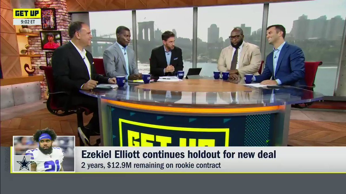 ESPN Insider Has Telling Update On Cowboys RB Ezekiel Elliott