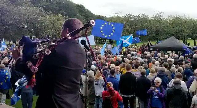 Image for the Tweet beginning: The Edinburgh @peoplesvote_uk crowd doing