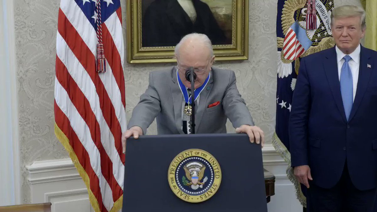RT @WhiteHouse: Bob Cousy shared a few words as he received the Presidential Medal of Freedom this evening! https://t.co/7jmX9FkWtS