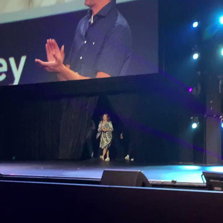 RT @DisneyStudios: Jamie Foxx (@iamjamiefoxx) and Tina Fey from #PixarSoul take the stage at #D23Expo. https://t.co/Jo3ZnYE8Iy