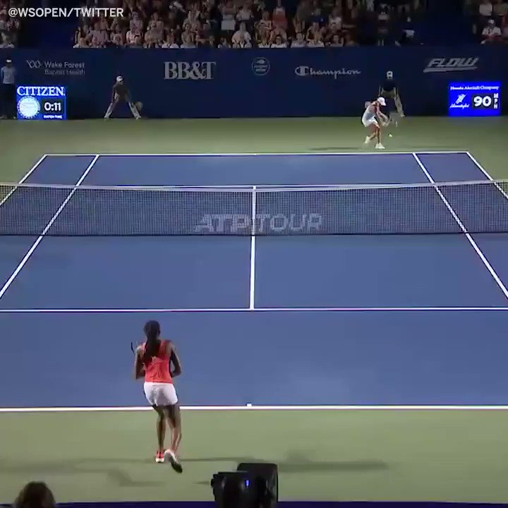 Everything about this @CocoGauff and @ashbar96 match was great 👏 (via @WSOpen)