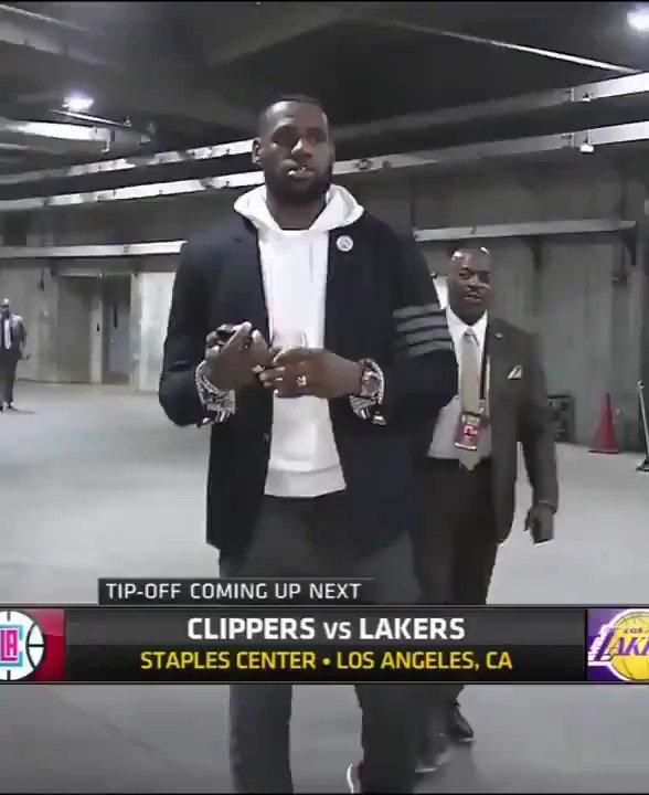 RT @allreactionvidz: LeBron James entering arena holding a glass of wine Lakers vs Clippers reaction video meme https://t.co/NhdZ6E7q73