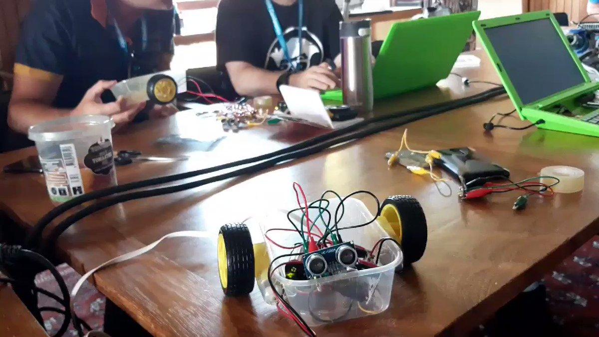 Image for the Tweet beginning: 30 min robot met #Crumble