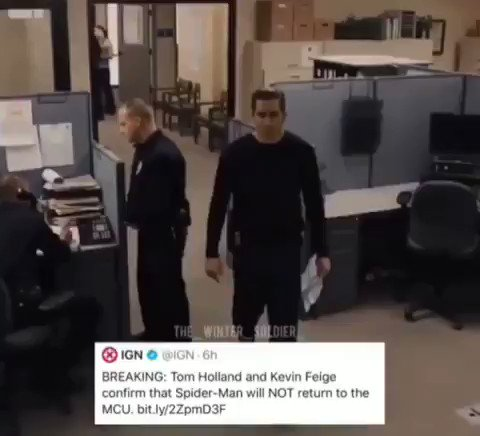 First Tony Stark dies and now Peter Parker leaving the MCU.. me right now.. R.I.P Team Stark #SpiderMan  #BringBackSpiderman https://t.co/M4fU6gdlec