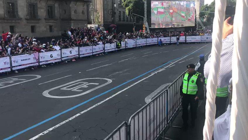 🥇Nuestra ganadora de la rama femenil es Vivian Kiplagat de Kenia con un tiempo de 2:33:28 hrs. 🥇🇰🇪¡Felicidades!🇲🇽#MaratónCDMX2019