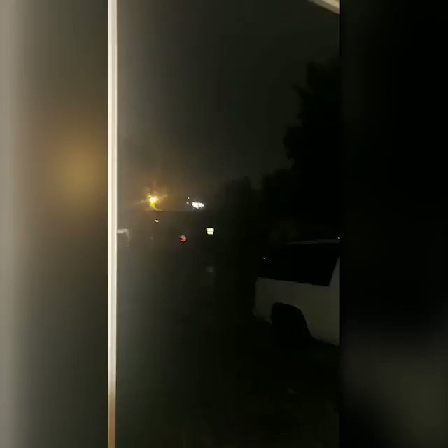 RT @koconews: OH WOW!!! A viewer shared this amazing video from Moore. https://t.co/HtEcfd4w7x #koco5 #okwx https://t.co/TdaKzXmFVT
