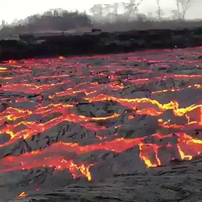 🌋 🌋 🌋 Lava! 🌋 🌋 🌋 #Volcano #SaturdayThoughts via @UniverCurious pls follow