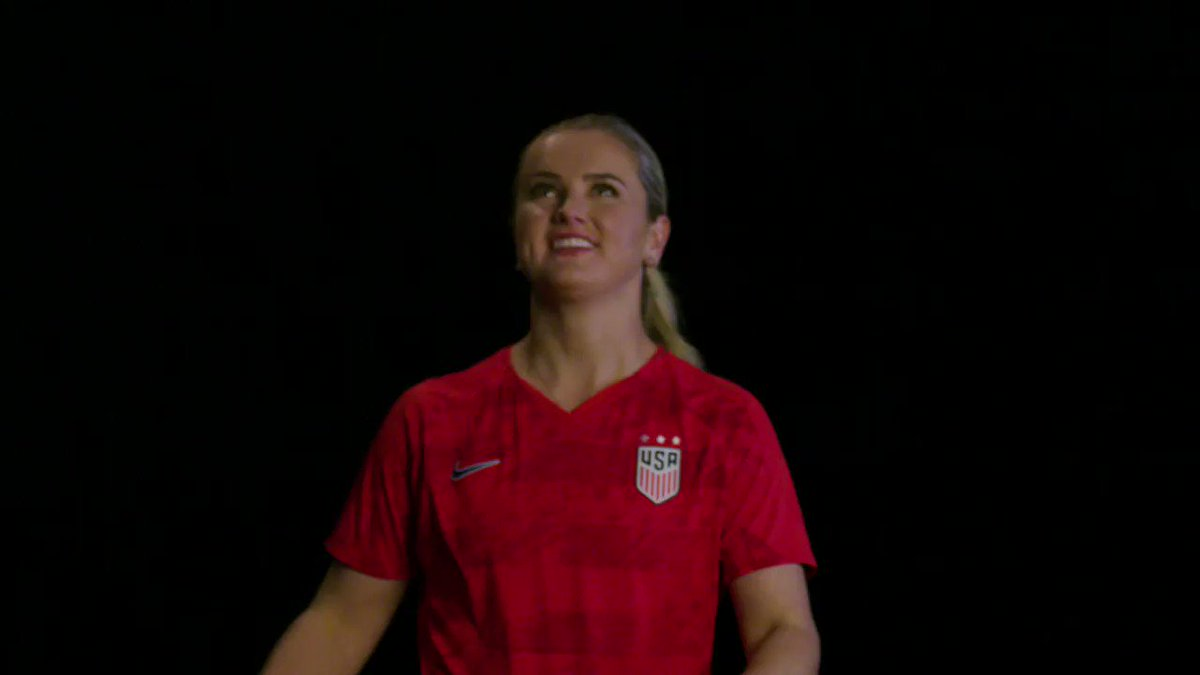 83' - GOAL! @LindseyHoran from @ChristenPress. Just a beauty. 3-0 | #USAvPOR