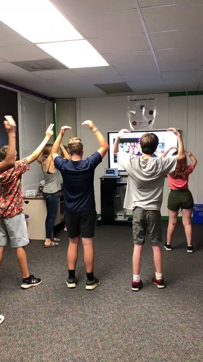 Dancing through the last minutes of our first week. Happy Friday. <a target='_blank' href='http://search.twitter.com/search?q=joyfulmovement'><a target='_blank' href='https://twitter.com/hashtag/joyfulmovement?src=hash'>#joyfulmovement</a></a> <a target='_blank' href='https://t.co/VLG6IfM3YU'>https://t.co/VLG6IfM3YU</a>