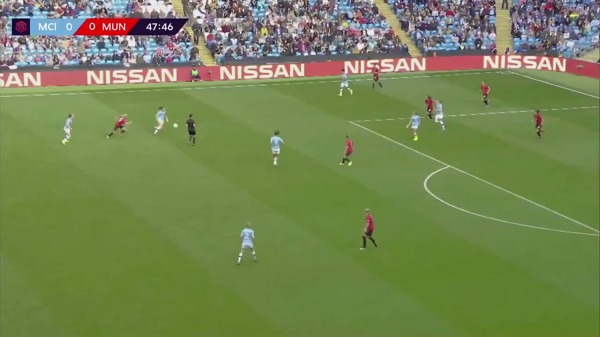 Throwback to Caroline Weir completing the Manchester derby 🚀  #InternationalWomensDay  https://t.co/BTbpQ4rIQP