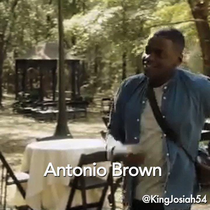 When Antonio Brown meet Josh Gordon at the Patriots facility pic.twitter.com/RqLzlm1xkf