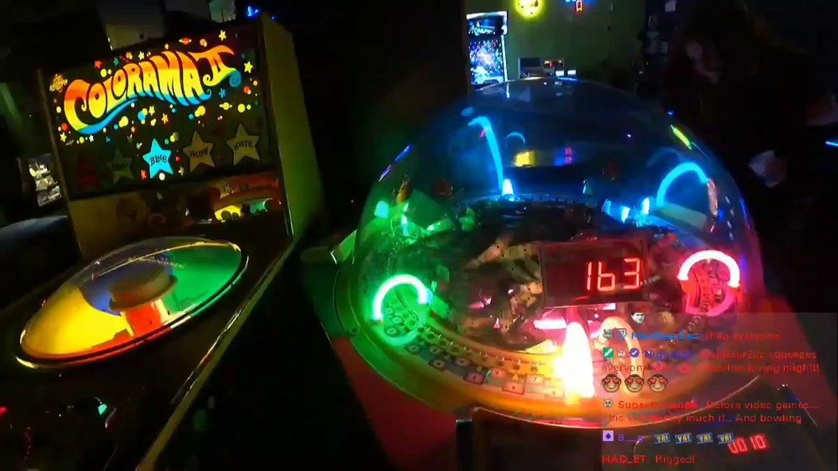 JACKPOT BABY Live at an arcade w/ @GassyMexican @Lowco2525 and sar sarrrr Twitch.tv/curvyllama