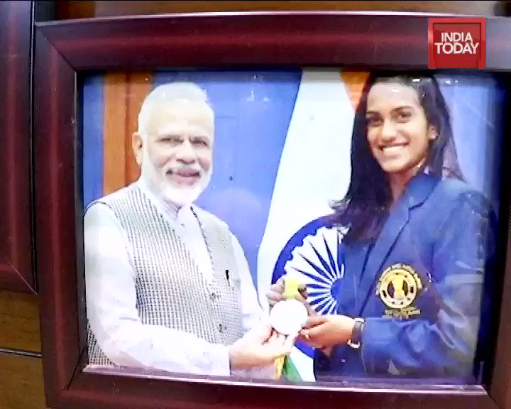 When I conceptualised @IndiaToday interview show #JabWeMet last year, it was a shoot with @Pvsindhu1 on the badminton court that I originally had in mind. To be able to knock with her, talk to her coach Gopichand and her parents was quite special. Do watch indiatoday.in/programme/jab-…