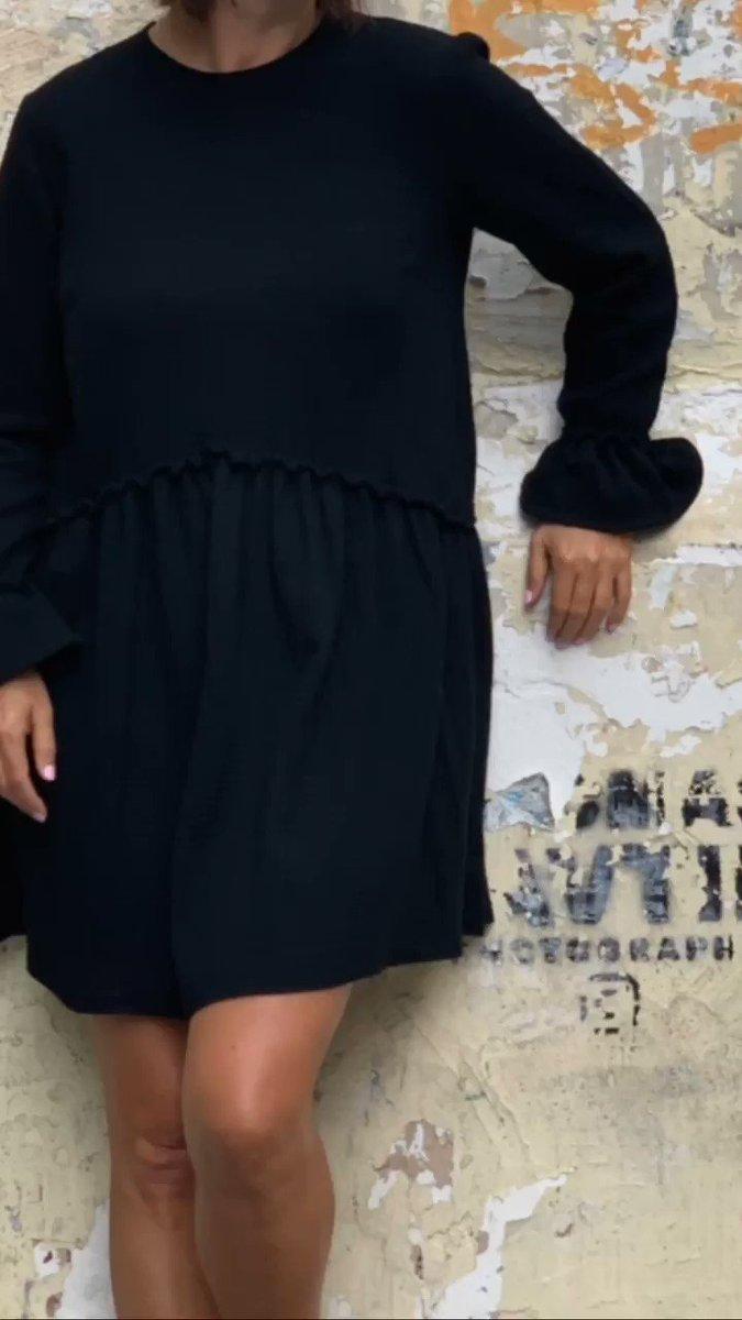 La petite robe noire Talia nouvelle venue dans la boutique, en double gaze de coton très agréable à porter, toute douce sur le peau 👀http://www.unepouleparisienne.com #fashionpost #instastyle #fblogger #lookbook #fashionlover #robenoire #blackdress #unepouleparisienne