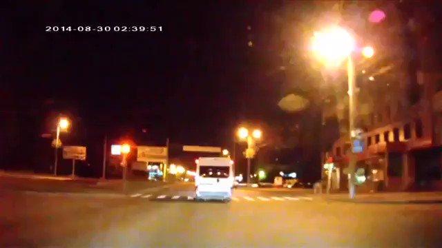 煽り運転にキレたロシア人が着ぐるみで出て来て運転手をボコる動画誰か出してくれって言おうとしたけど持ってた