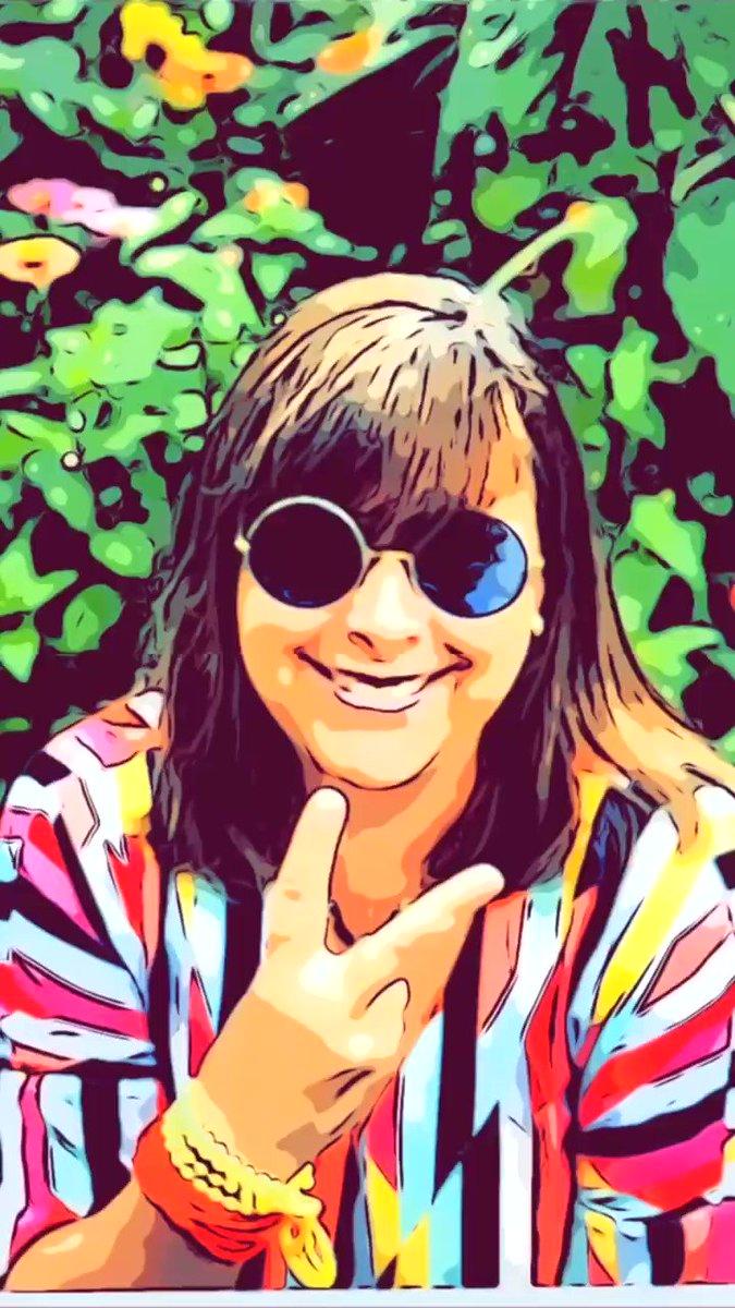 Image for the Tweet beginning: #TeamTuesday 🥰#Havealittlehelpfrommyfriends #FeelinGroovy ☮️✌🏼#Woodstock #RealtorTradeExpo