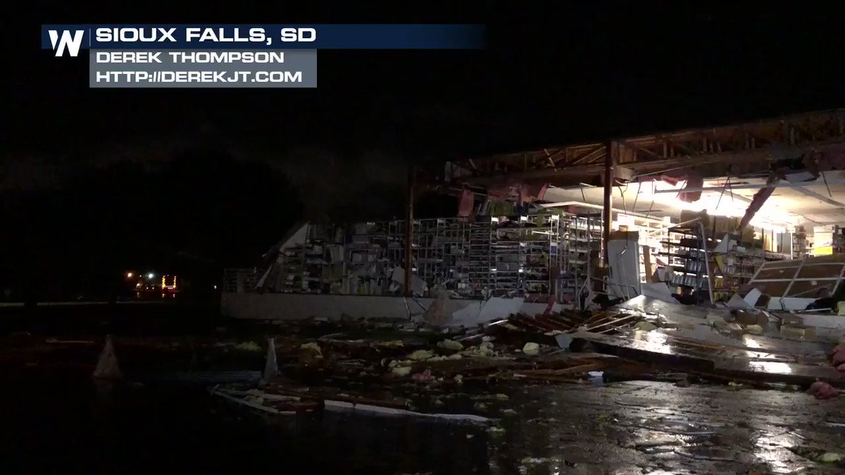 **TORNADO DAMAGE** Heartbreaking scenes coming in from overnight in Sioux Falls, SD, where a tornado moved through the south side of the city. We will bring you the latest updates this morning #sdwx