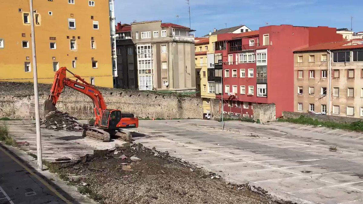 Comienzan las obras de construcción de 66 VPO en la calle Alta de Santander. @radio5_rne